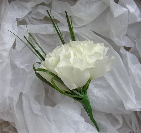 Wedding Flowers Blog: Holly's Classic green and white
