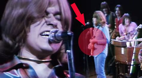 Keep Your Eye On Terry Kath During Chicago's Performance