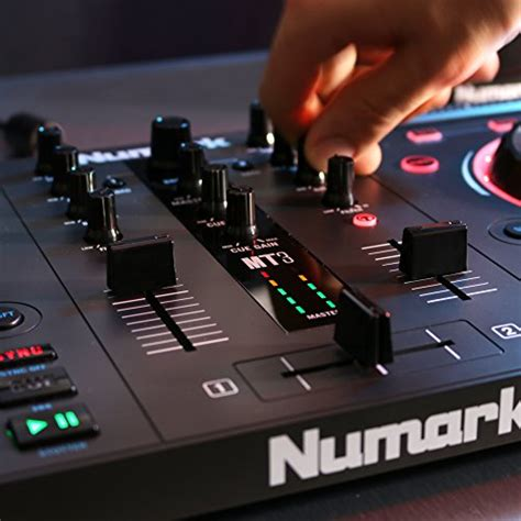 Numark Mixtrack 3   All-in-one Controller Solution with